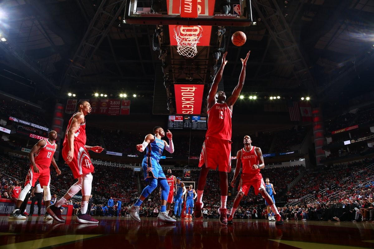 NBA - Westbrook guida i Thunder, Rockets k.o