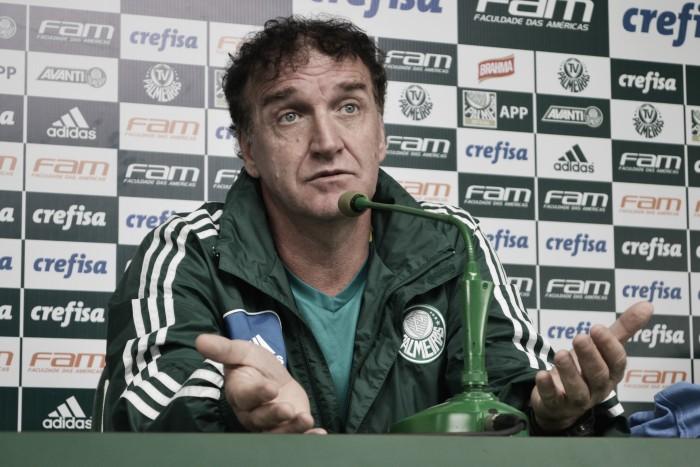 """Na reta final do Brasileirão, Cuca não esconde ansiedade e revela: """"Tenho feito contas"""""""