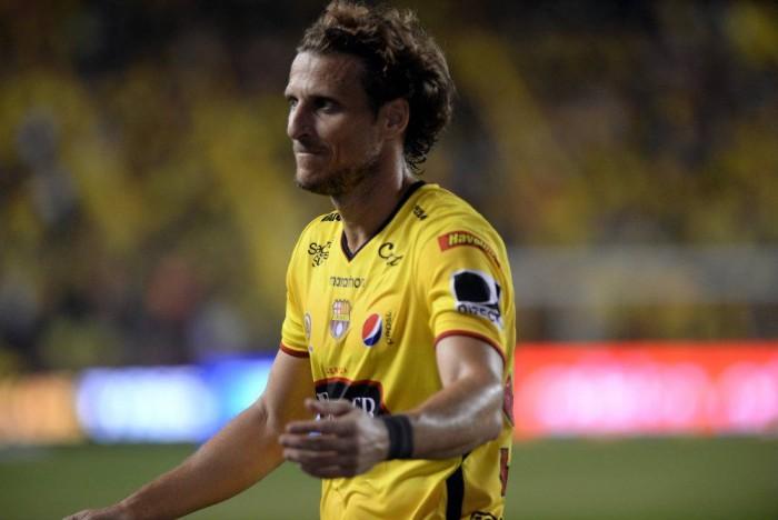 Diego Forlán, la estrellade la noche amarilla