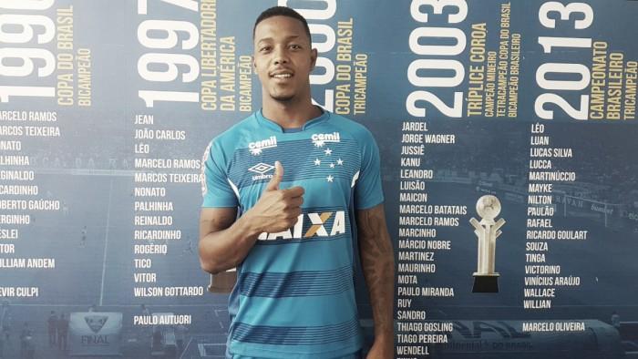 Presidente do Vitória alinha pagamento do Cruzeiro por David após 'ok' do DM da Raposa