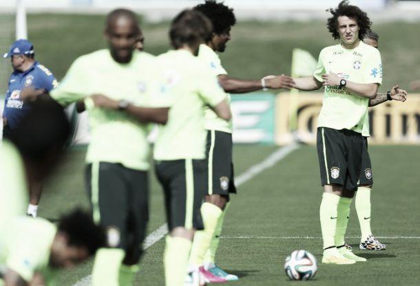David Luiz assusta, mas não preocupa para duelo contra o Chile