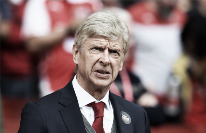 Wenger comenta possibilidade do Barça jogar a Premier League: 'Título seria mais difícil para todos'