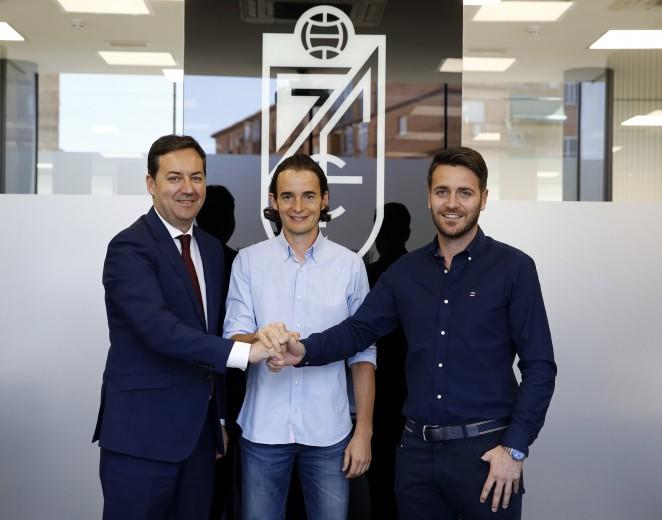 David Tenorio renueva como técnico del Recreativo Granada