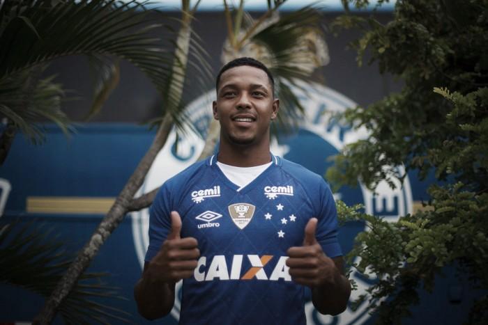 David é apresentado no Cruzeiro, fala sobre lesão e revela desejo de atuar com Thiago Neves e Fred