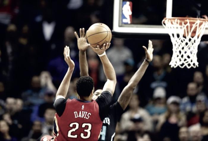 NBA - Sorriso Pelicans, Davis travolge gli Hornets in overtime. Milwaukee fa sei contro Minnesota
