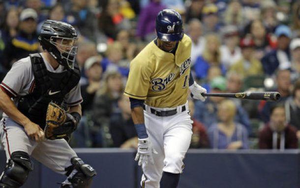 Milwaukee Brewers' Khris Davis Will Have Knee Surgery