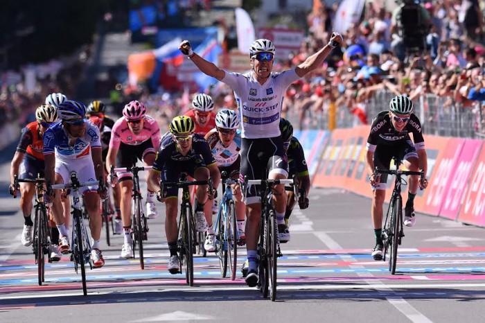 """Giro d'Italia, Jungels vince il """"piccolo Lombardia"""", Dumoulin controlla"""