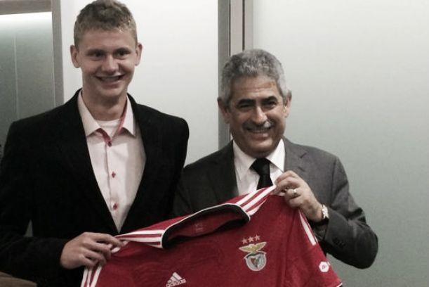 Benfica confirma Dawidowicz e prepara-se para perder Garay