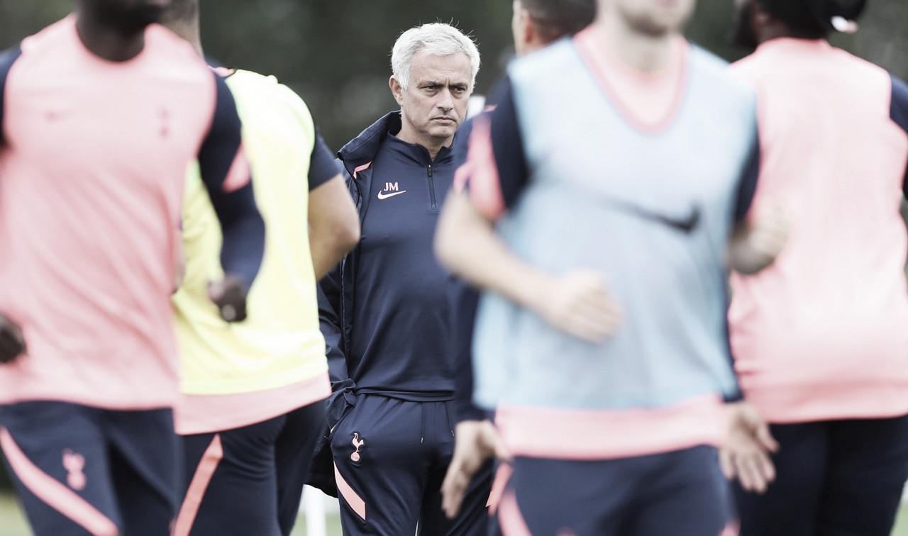 Pacotão à vista? José Mourinho aponta novas contratações para ataque do Tottenham Hotspur