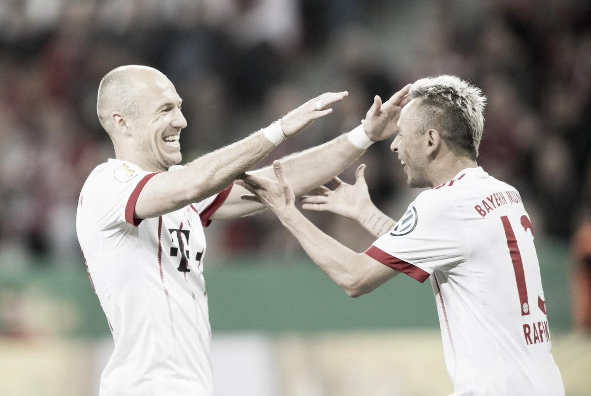 Bayern de Munique anuncia extensão contratual do lateral Rafinha e do meia Robben