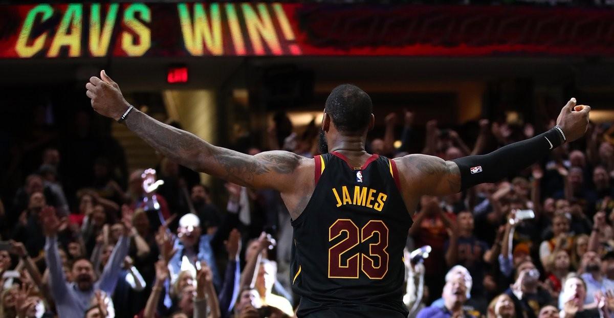 NBA playoffs - Cleveland si prende anche gara 3 contro Toronto, LeBron James ancora decisivo