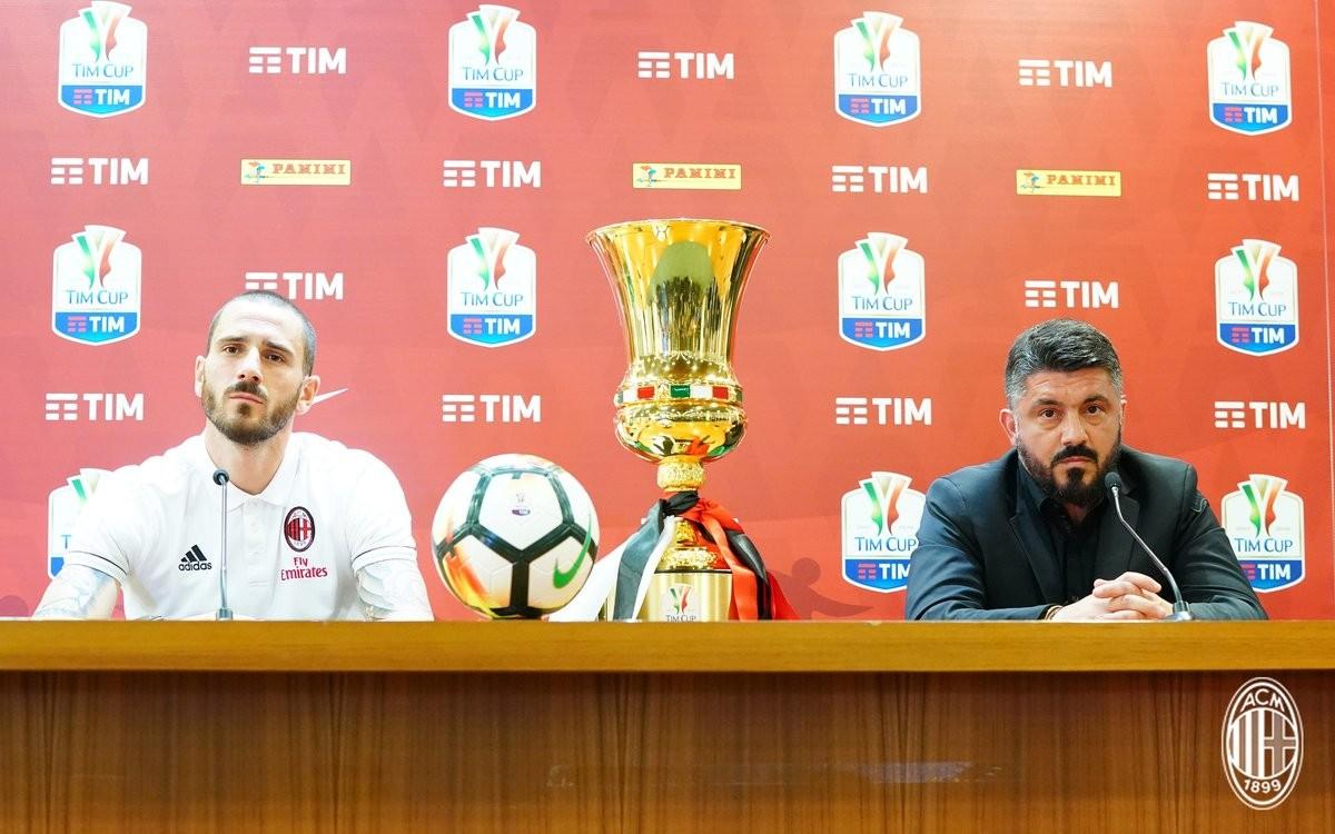 """Milan, Bonucci carica i rossoneri: """"Faremo una grande finale. Meritiamo questo trofeo"""""""