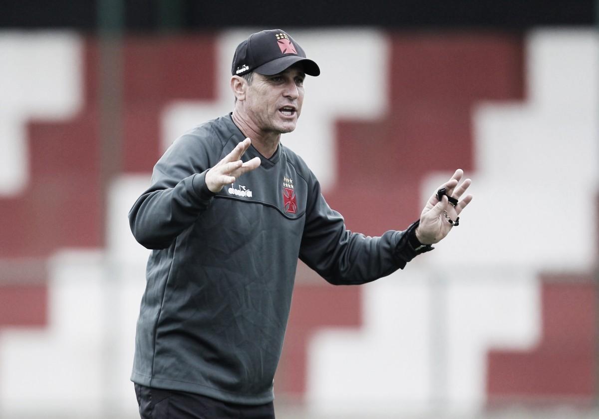 """Jorginho alega dificuldade em melhoria defensiva do Vasco: """"É um desafio"""""""