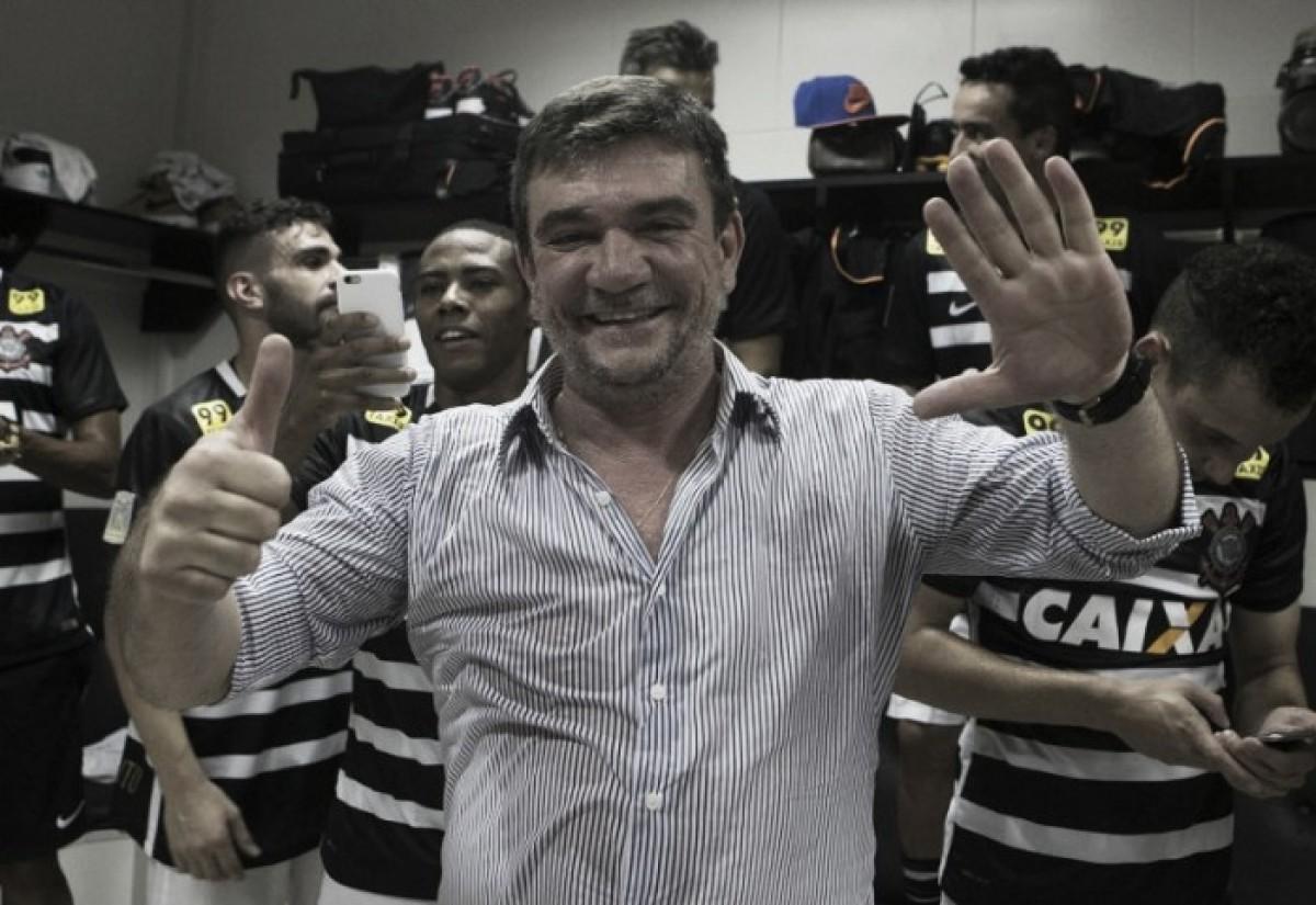 Após saídas de jogadores, Andrés Sanchez promete reforços a conselheiros do Corinthians
