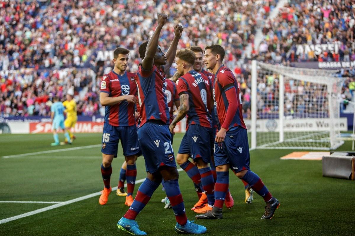 Liga - Il Barcellona perde l'imbattibilità: il Levante vince 5-4!