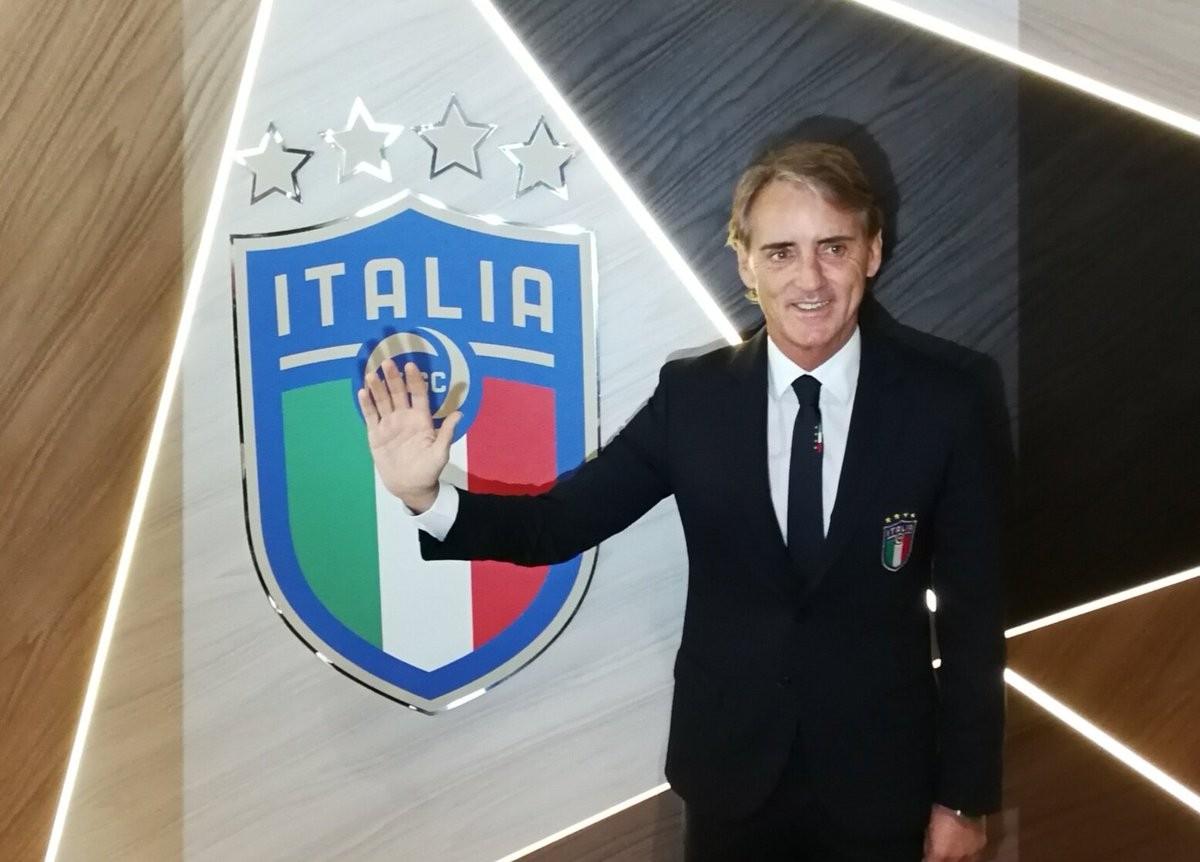 "Italia, entusiasmo a Torino. Il c.t. Mancini: ""La Nazionale va aiutata, ci vuole entusiasmo"""