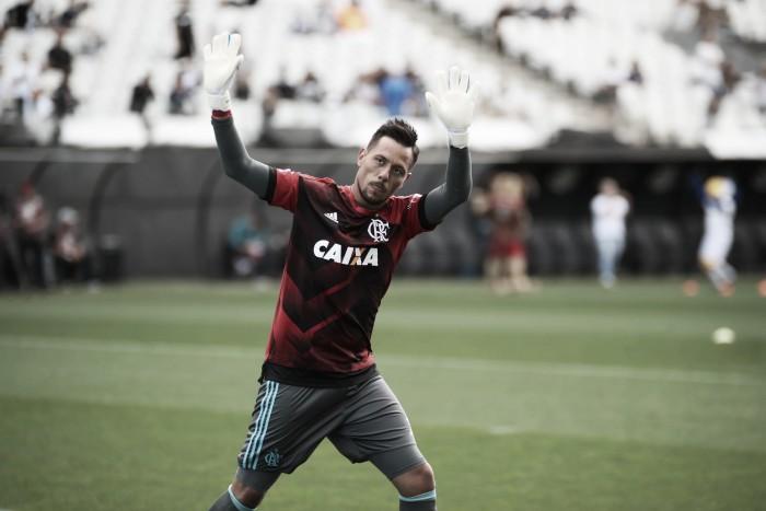 """Diego Alves avalia estreia no Flamengo e lamenta empate: """"Merecíamos a vitória"""""""
