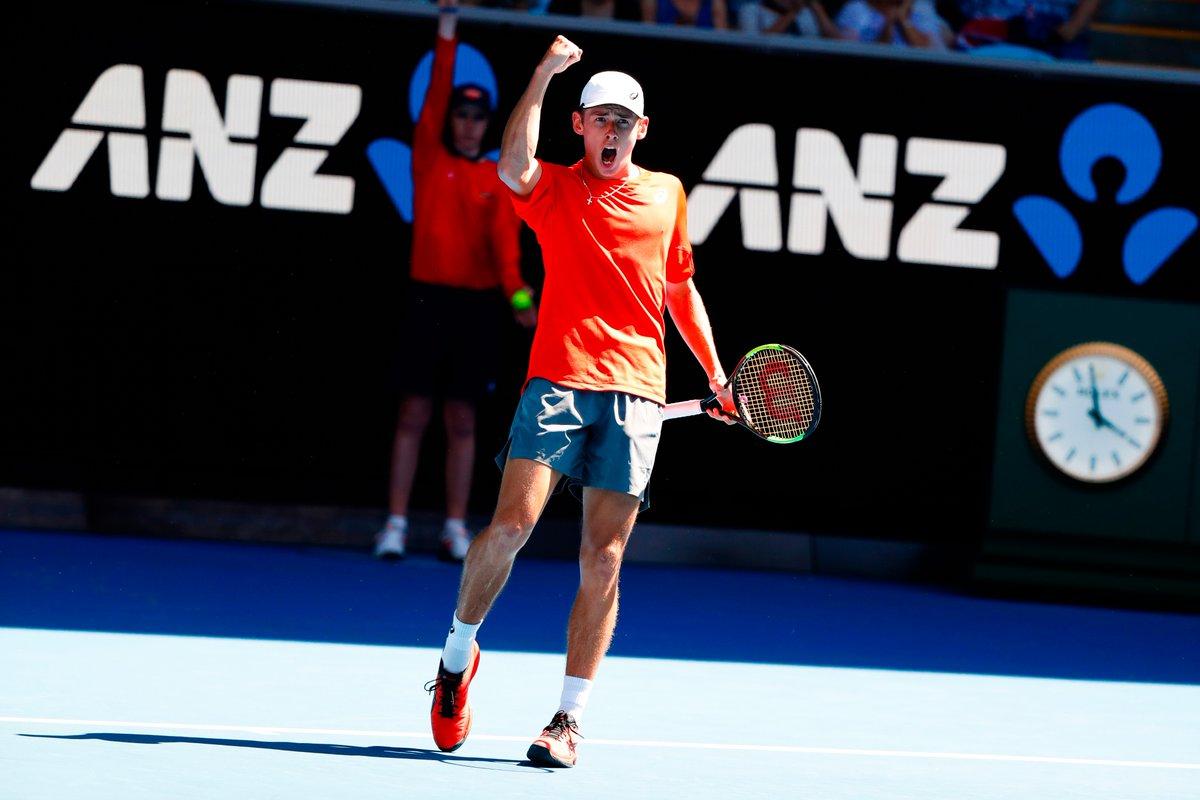 Australian Open, passano Sharapova, Wozniacki e Kerber