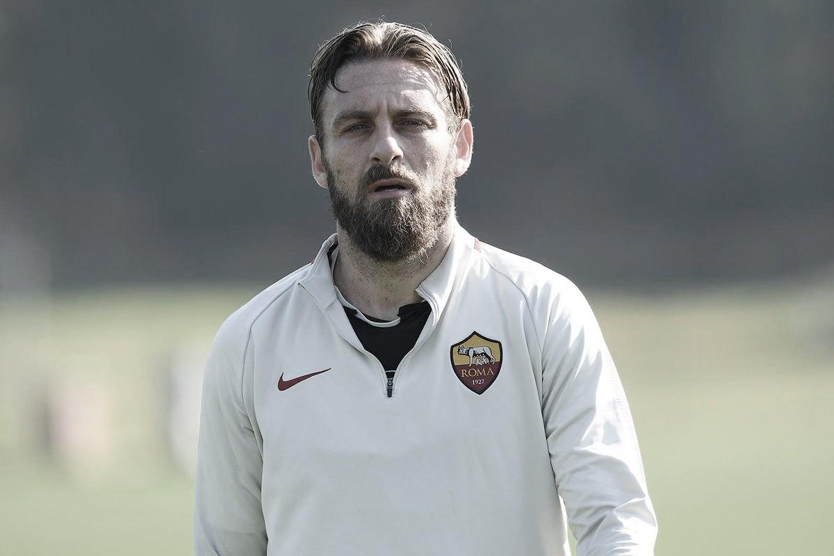 Presidente da Fiorentina desmente rumores de que De Rossi será novo técnico do clube