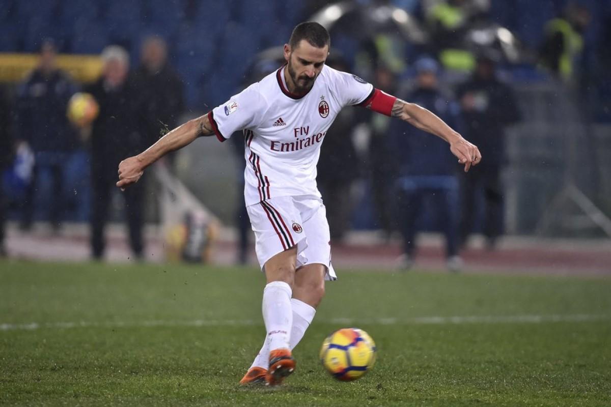 Milan, continuano i contatti con la Juventus per lo scambio Bonucci-Caldara-Higuain