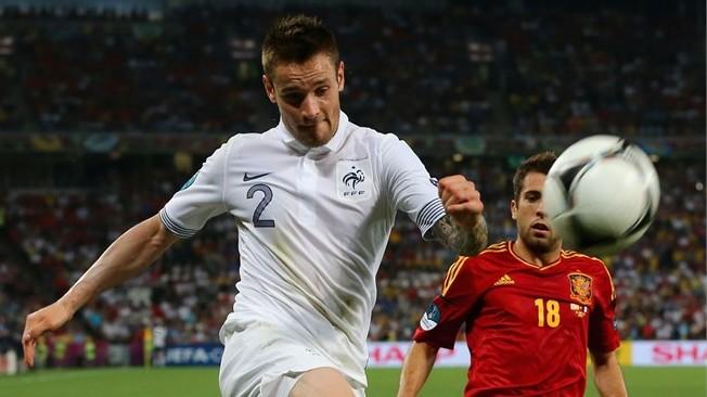 Mathieu Debuchy se acerca al Newcastle