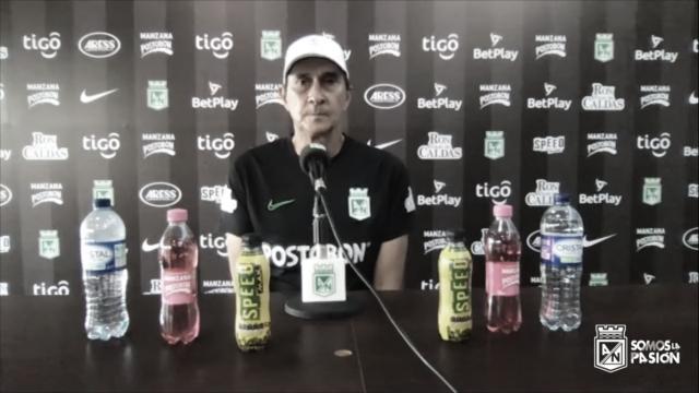 """Alexandre Guimarães: """"Haremos lo posible por ganar, avanzar y pelear por el título"""""""