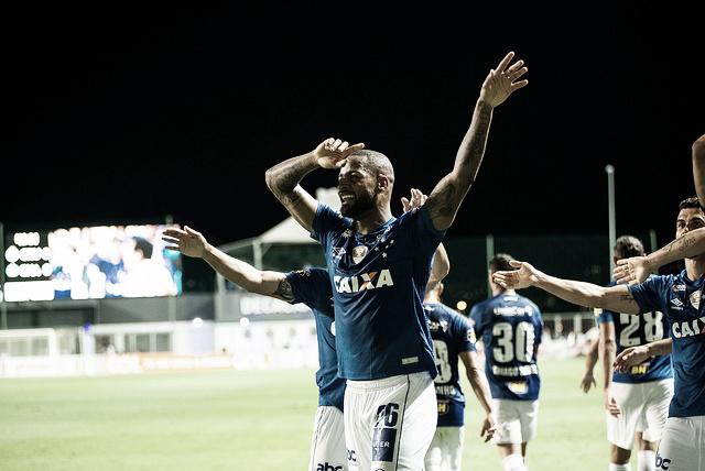 Após vitória, Dedé desmente boatos e confirma sua permanência no Cruzeiro