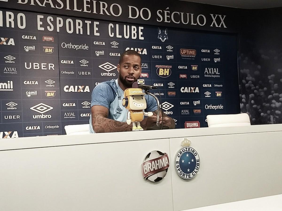Confiante, Dedé destaca importância do elenco do Cruzeiro para seu retorno aos gramados