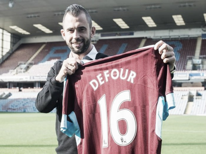 Burnley sign Belgium midfielder Steven Defour
