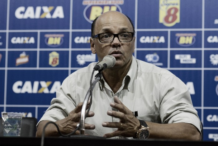 Delamore cita 'lado emocional' na classificação sofrida do Cruzeiro e quer manter esquema tático