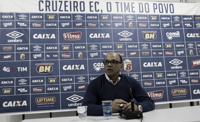 Geraldo Delamore deixa Cruzeiro após sete meses como assistente técnico
