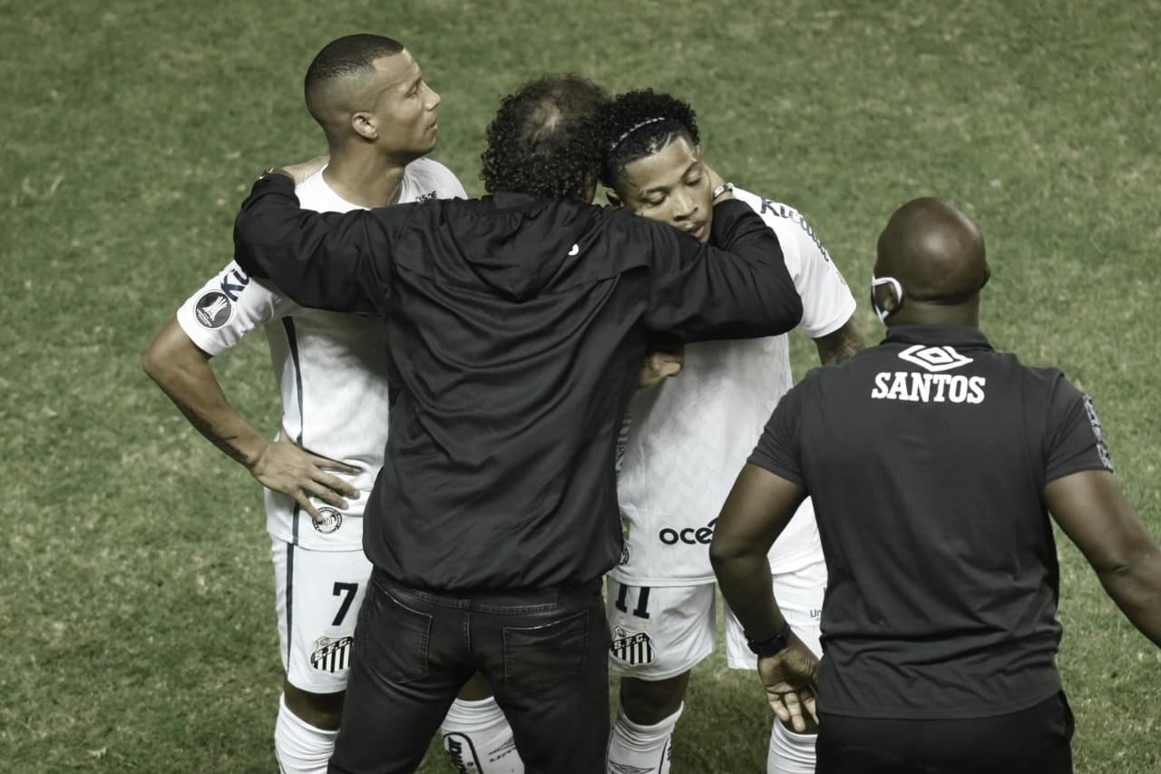 Marinho brilha e Santos bate o Delfín pela Libertadores