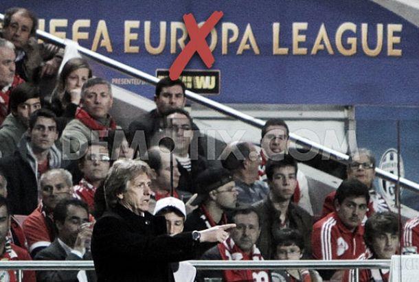 Precoce saída do Benfica: Bom para as pernas, mau para a carteira e o prestígio