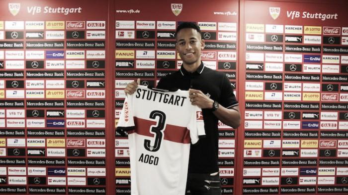 Experiente na Bundesliga e ex-Schalke 04, lateral Dennis Aogo é contratado pelo Stuttgart