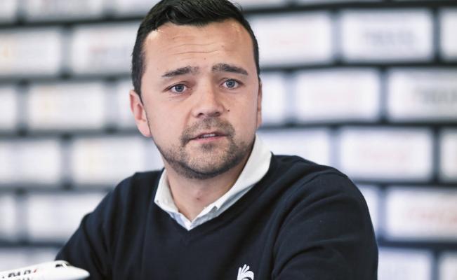 Javier Mier deja su cargo en Gallos Blancos