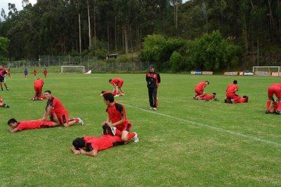 El Deportivo Cuenca entrena en la para de las eliminatorias