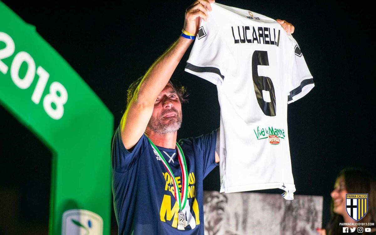 Parma, capitan Lucarelli dice addio e i crociati ritirano la '6'