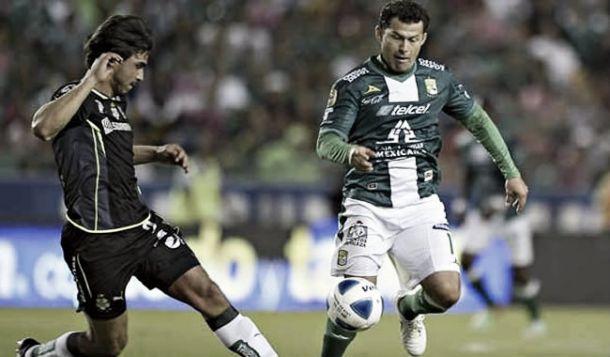 León y Santos, por los tres puntos
