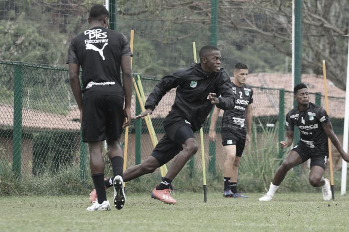 Los jugadores del Deportivo Cali para su visita al Deportes Tolima