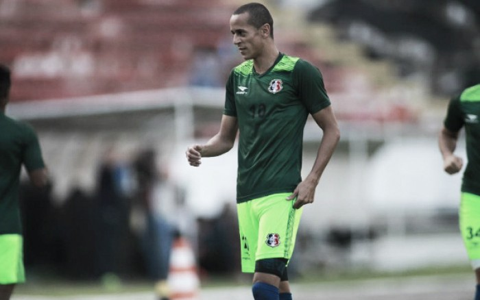 """Derley exalta presença de jovens da base na despedida do Brasileiro: """"Acho positivo dar a oportunidade"""""""