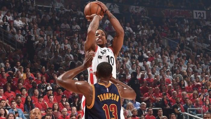 NBA - Toronto e DeRozan accorciano le distanze. Cleveland cade per la prima volta (99-84)