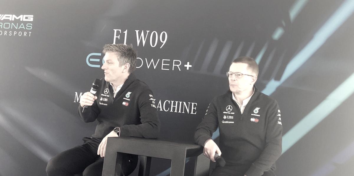 Mercedes explica sus mapas de motor