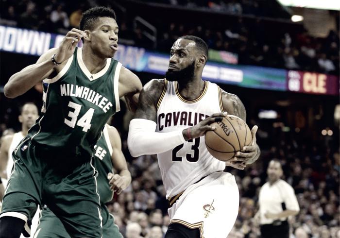 Irving y LeBron le dieron la victoria a Cleveland