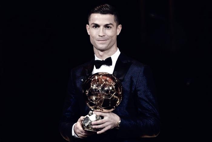 Cristiano Ronaldo levanta su 5º Balón de Oro