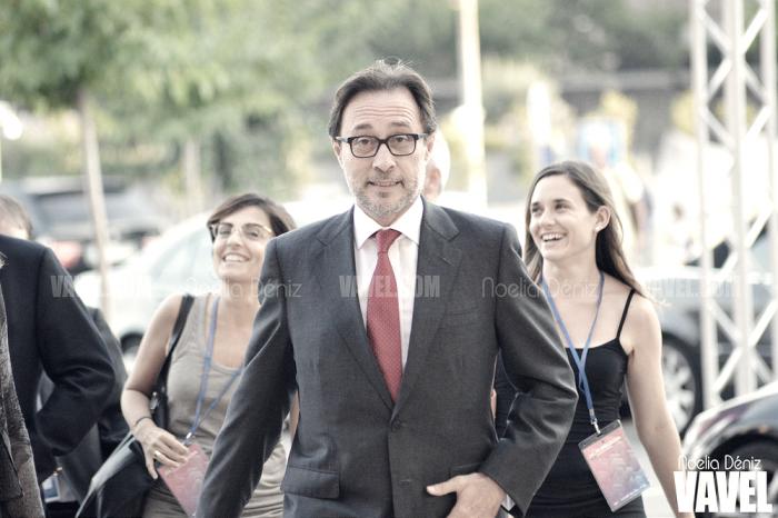 Benedito ya posa con las papeletas para el voto de censura for Oficina censo electoral barcelona