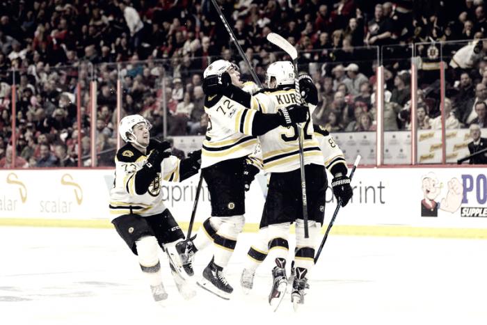 Washington se adelanta y los Bruins salvan su primer 'match-ball'