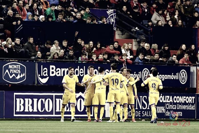 El Alcorcón conquista Pamplona y remonta a base de fe y goles