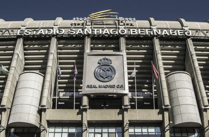 El santiago bernab u un basti n dif cil de conquistar for Puerta 53 bernabeu