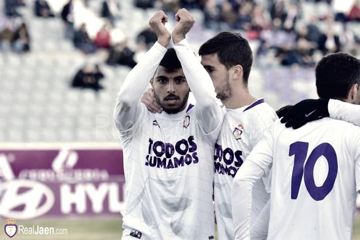 El Real Jaén solo suma de tres en tres