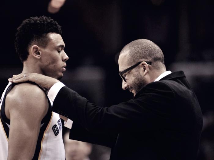 La plantilla de los Grizzlies pagará la multa de su entrenador
